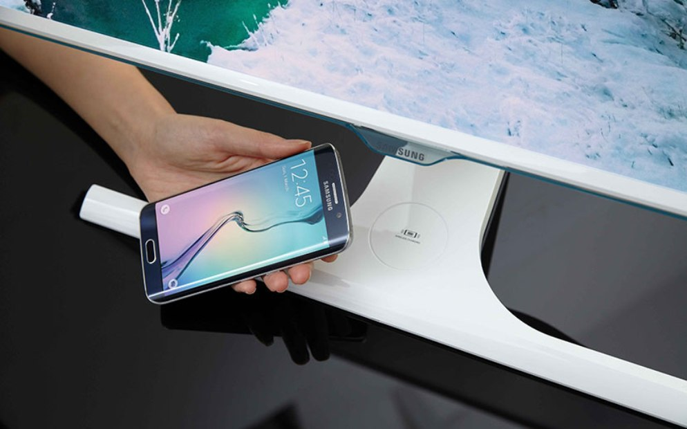 Samsung-Wireless-Charging-Monitor